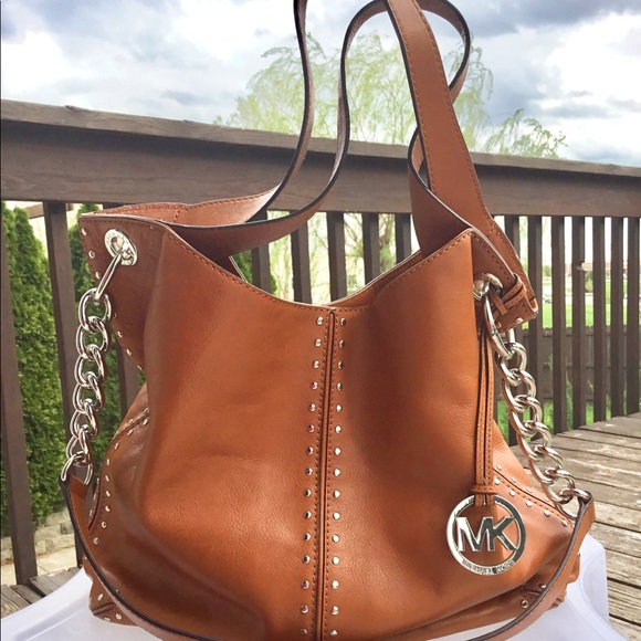 d0fdfc09b253f2 Michael Kors Bags | Astor Uptown Shoulder Leather Bag | Poshmark